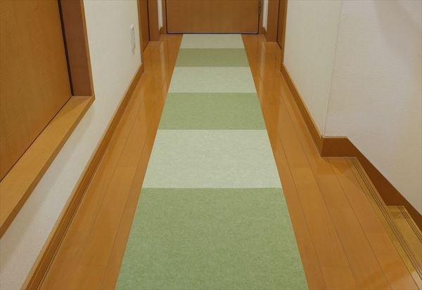 廊下に敷くバリアフリーマットロング